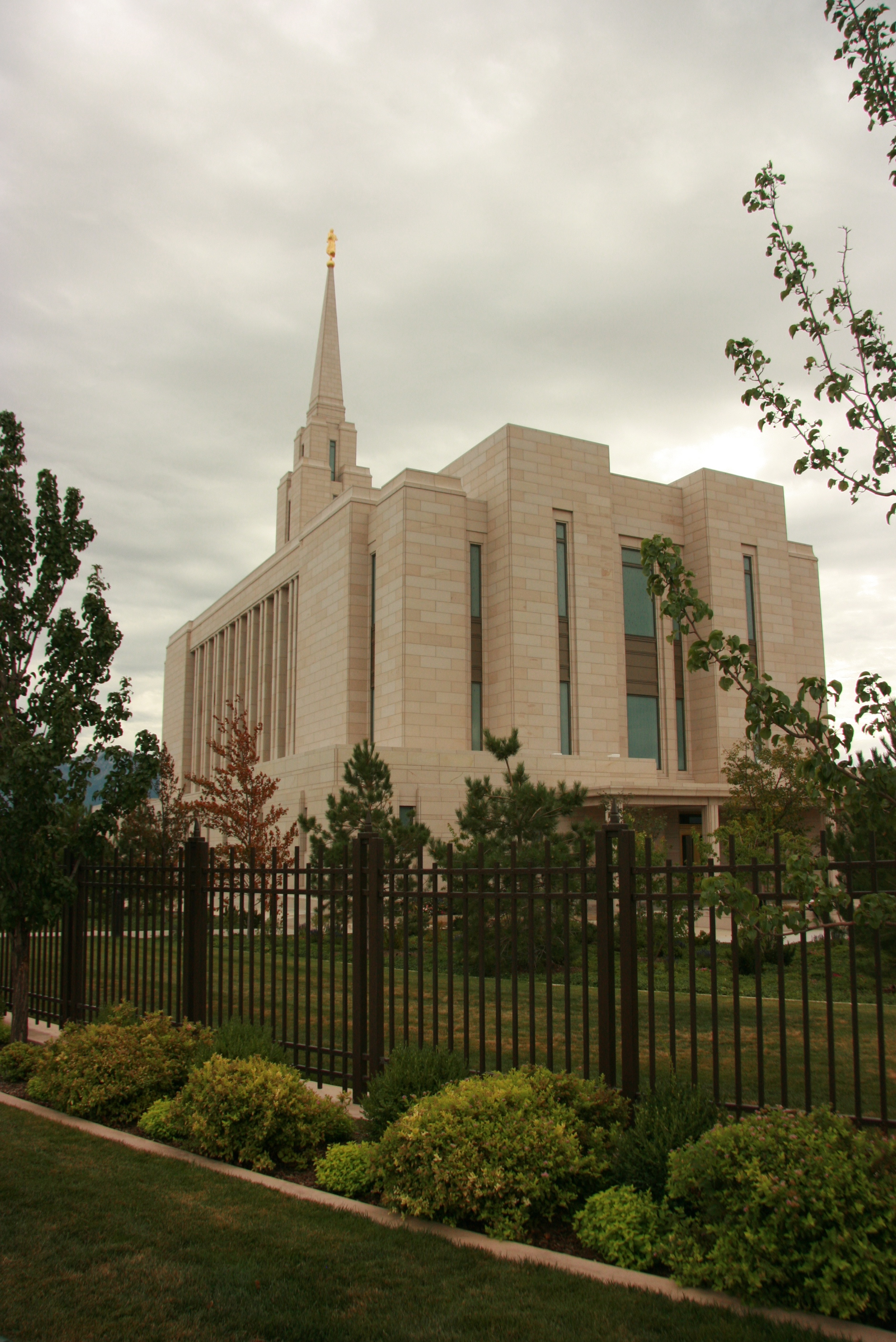 Oquirrh Mountains Temple